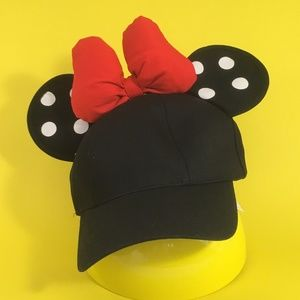 Disney Minnie Mouse ear hat
